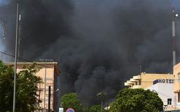 """Vụ tấn công ĐSQ Pháp ở Burkina Faso: Nội chiến, đói nghèo đã """"nuôi"""" khủng bố lớn mạnh?"""