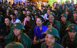 Cô gái 24 tuổi ở Sài Gòn vui hết mình đêm trước ngày lên đường nhập ngũ