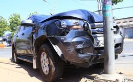 Người dân kể xe ô tô tông văng CSGT xuống đường, giải cứu đồng bọn như trong phim