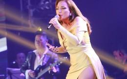 Ca sĩ Thanh Hà nóng bỏng hút mắt trên sân khấu