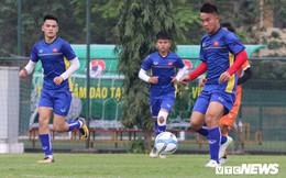 HLV Park Hang Seo cùng Park Ji Sung 'xem giò' U19 Việt Nam