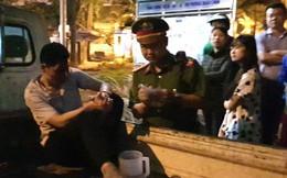 Bắt khẩn cấp lái xe ô tô kéo lê người và xe máy ở Ô Chợ Dừa