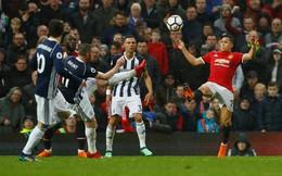 Mourinho nói gì khi M.U dâng cúp sớm cho Man City?