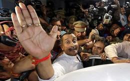 Thiếu nữ bị hiếp dâm tự thiêu, Ấn Độ bắt giữ nghị sĩ