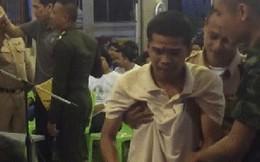 """Chuyện buồn mùa """"lô tô"""" nghĩa vụ quân sự Thái Lan: Chàng trai khóc ròng vì thương bà nội không ai chăm sóc"""