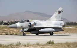 UAE: Máy bay quân sự Qatar chặn máy bay dân sự chở 86 khách