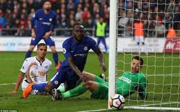 """Phung phí cơ hội, Chelsea nhọc nhằn """"cầm"""" 3 điểm rời Liberty Stadium"""