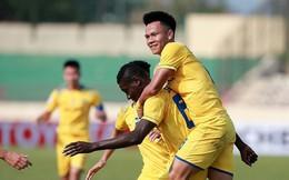"""Cả tuyển thủ U23 lẫn """"con cưng"""" của Hữu Thắng ghi bàn, SLNA lại khiến HLV Miura nuốt hận"""