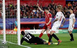 """2 lần được đối thủ """"giúp sức"""", Bayern Munich đặt một chân vào bán kết Champions League"""
