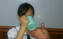 Những hình phạt đáng sợ của giáo viên trước khi phạt học sinh uống nước giặt giẻ lau bảng