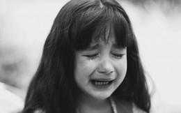 """Cặp đôi ly hôn sau 19 năm chung sống, chồng để lại một """"món quà"""" cho vợ khiến con gái cũng phải rơi nước mắt"""