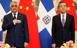 """Trung Quốc bị tố chi hơn 3 tỉ USD để Dominica """"nghỉ chơi"""" với Đài Loan"""