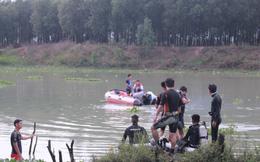 Hơn 10 người nhái dầm mưa tìm kiếm người đàn ông tắm đập mất tích