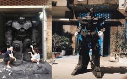 """Thanh niên chế tạo mô hình bộ giáp khủng như trong """"Trận chiến vô cực"""": Cả nhóm thương tích đầy mình!"""