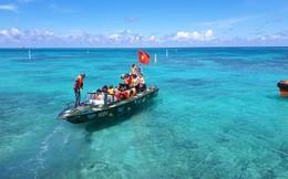 Hải trình 10 năm tới Trường Sa: Hoa vàng trên biển xanh