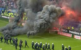 CĐV Đức đốt sân ngày đội nhà xuống hạng sau 55 năm