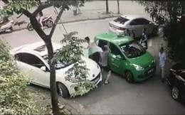 Bị ném mắm tôm oan sau vụ tài xế Mercedes đánh taxi Mai Linh