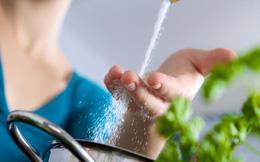 Mì chính có giúp bạn chữa mặn khi nấu ăn không?