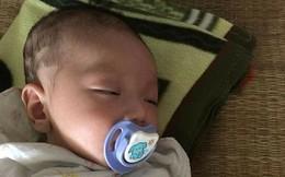 Bé trai 1 tháng tuổi bị bỏ rơi trên xe khách