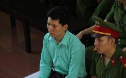 Xét xử BS Lương: Cựu giám đốc BV Hòa Bình đang ở đâu?