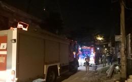 Đang tắm thì bình nóng lạnh bốc cháy dữ dội, người đàn ông Hàn Quốc tháo chạy thoát thân