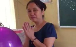 Clip: Cô giáo có mạnh mẽ đến đâu thì cũng phải rơi nước mắt trước giờ sinh hoạt lớp cuối cùng đầy bất ngờ này