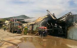 Cháy lớn nhà xưởng ở Bình Định, 400 người vật lộn với lửa đỏ