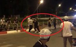 Hai nhóm nhanh niên đuổi chém nhau náo loạn trên phố Hà Nội