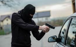 Cựu đặc nhiệm Mỹ hướng dẫn cách thoát hiểm khi bị cướp xe