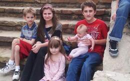 Được cảnh báo con trai muốn giết cả nhà nhưng không tin, bà mẹ khiến 5 người chết thảm