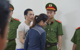 """Lĩnh thêm 7 năm tù, tử tù Thọ """"sứt"""" quay sang hôn má bạn gái trước khi về trại"""
