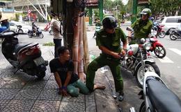 Nữ du khách bị giật túi xách giữa trung tâm Sài Gòn