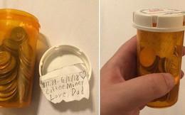 Bố bảo có quà trong phòng, con gái vào thấy ống nhựa cùng lời nhắn nhủ đã òa khóc nức nở