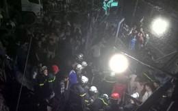 Sập nhà đang thi công ở Hà Nội, 4 người thương vong