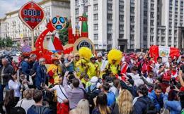 Cổ động viên ùn ùn chờ khai mạc, World Cup 2018 giúp FIFA thu tiền kỷ lục
