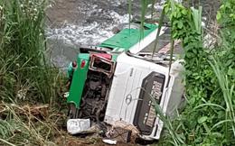 Hiện trường chiếc xe lao xuống vực ở đèo Lò Xo khiến 2 trẻ em tử vong