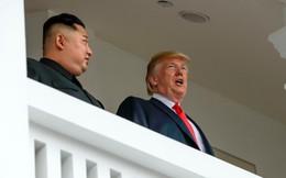 """Tổng thống Trump bị chỉ trích dữ dội vì nói muốn người Mỹ """"lắng nghe lãnh đạo"""" như người Triều Tiên"""