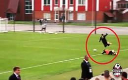 Suýt đạp gãy chân đồng đội từng khoác áo Man United, De Bruyne lạnh lùng quay lưng bỏ đi