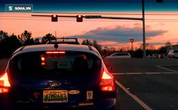 Ô tô dừng đèn đỏ có nên tắt máy hay không? Câu trả lời bất ngờ của kỹ sư Lê Văn Tạch!