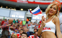 """CĐV bàng hoàng khi nhận ra danh tính của """"fan nữ xinh đẹp nhất nước Nga"""" nhờ thẻ World Cup"""