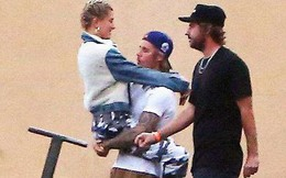 Justin Bieber cõng Hailey Baldwin đầy tình cảm, giống như từng làm với Selena nhiều năm trước