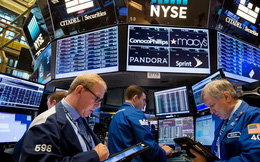 """7,2 nghìn tỷ USD """"bốc hơi"""" khỏi chứng khoán toàn cầu khi bảo hộ tăng cao"""