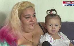 Trước khi đi ngủ, con gái 18 tháng tuổi bồn chồn khó chịu, không thể đi vệ sinh, sáng thức dậy mẹ phát hiện điều kinh khủng trong tã con