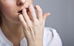 Một người đàn ông suýt mất mạng chỉ vì cắn móng tay: Hãy từ bỏ thói quen này ngay!
