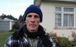 Mua nhà ở được 5 năm rồi bỗng một ngày bị cảnh sát gõ cửa, người đàn ông choáng váng khi biết sự thật về ngôi nhà của mình