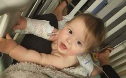 Nghe tiếng hét thất thanh của con gái, mẹ hoảng hốt chạy lại thấy vệt đen trên miệng liền lập tức đưa con vào bệnh viện