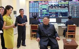Phu nhân Triều Tiên Ri Sol-ju khoe nét đẹp rạng rỡ trong chuyến thăm nhà máy mỹ phẩm