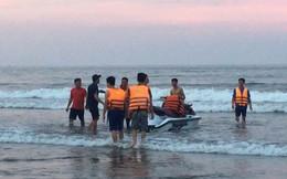 4 người bị sóng cuốn trôi khi tắm biển ở Thanh Hóa