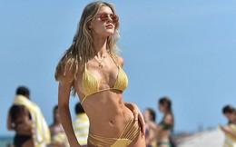 Siêu mẫu Mỹ Joy Corrigan khoe dáng tuyệt mỹ trước biển
