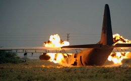 """Phát bắn thần kỳ của TLPK VN: """"Sát thủ"""" AC-130 sập bẫy, tan xác-KQ Mỹ hốt hoảng tháo chạy"""